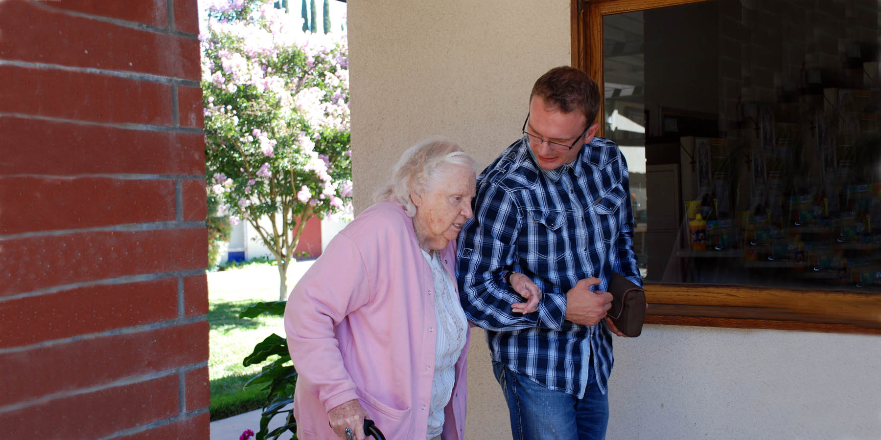 assisting-elderly