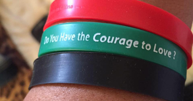 Courage to Love armband 811x426